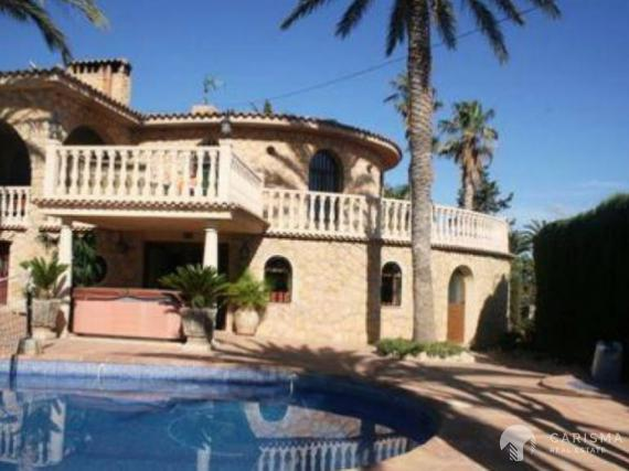 Villa in Altea with mountain views