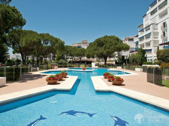 Luxury apartment for sale in Puerto Banus (1)