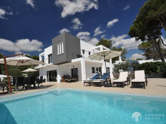 Villa only 400 m fom the beach