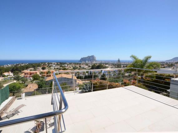 Modern semi - detached douse with great sea view in Calpe