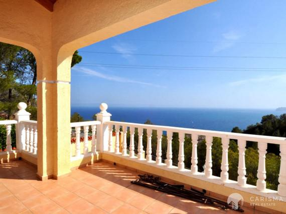 Spacious villa in Altea Hills with beautiful views of the bay of Altea 1