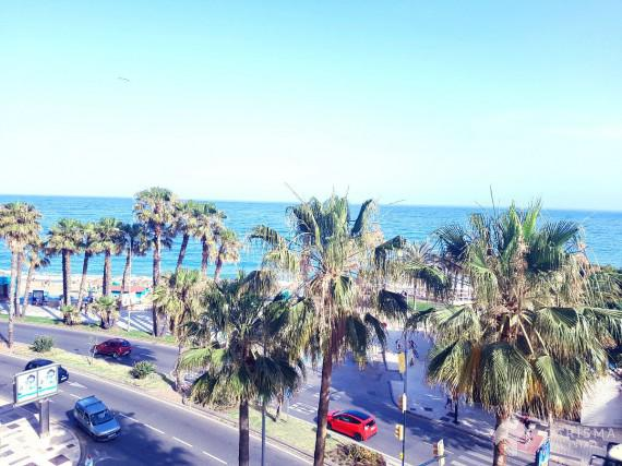 Large apartment with sea view for sale in Malaga 1