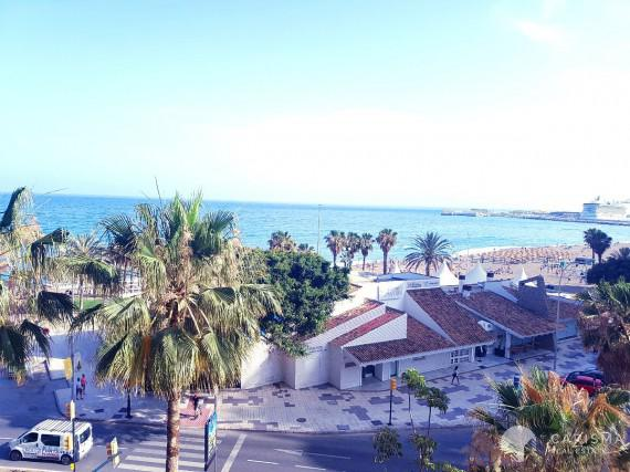 Large apartment with sea view for sale in Malaga 2