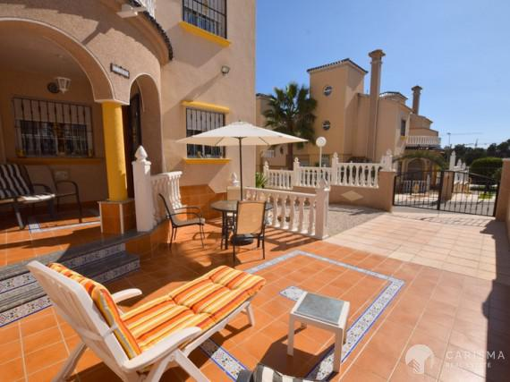 Townhouse for sale in Villamartin 2