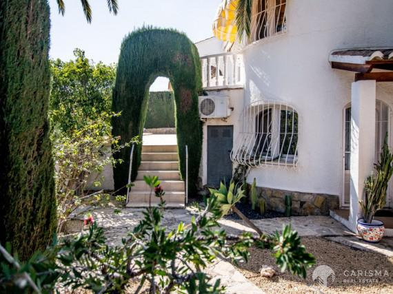 A cozy Mediterranean villa in a peaceful residencial area of Calpe (32)