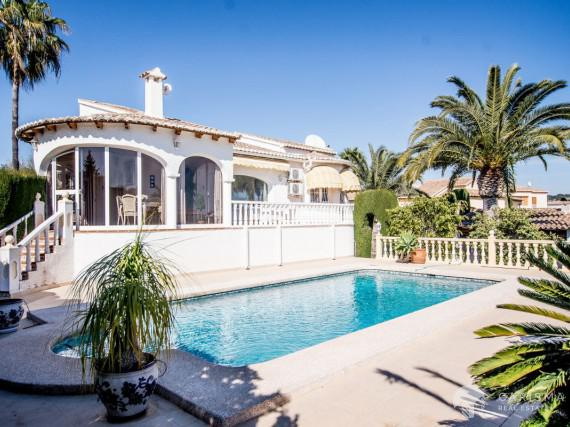 A cozy Mediterranean villa in a peaceful residencial area of Calpe (2)