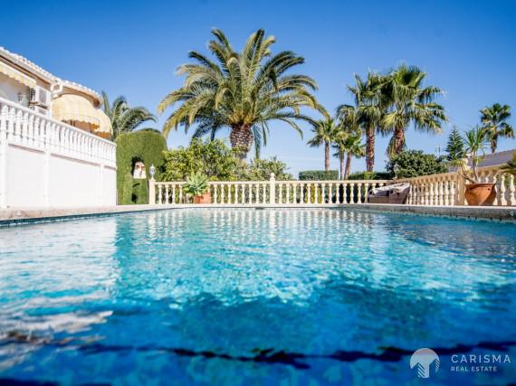 A cozy Mediterranean villa in a peaceful residencial area of Calpe (1)